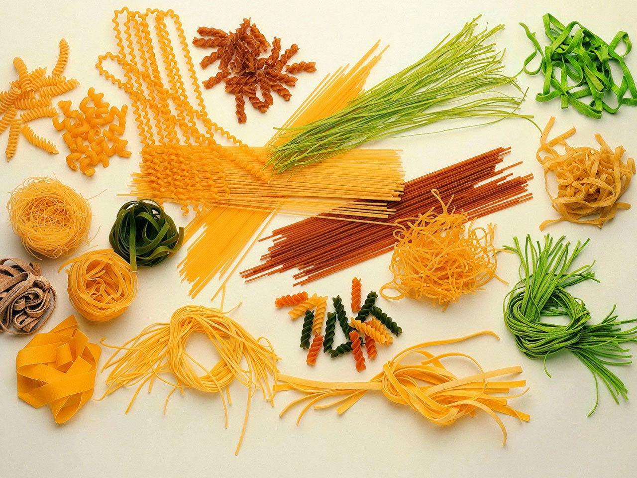 Поделки из макарон: 100 фото и 15 идей декора для детей и 61